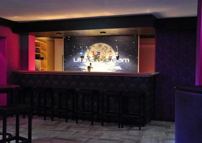 Swingersclub Ultimate Dream foto dansvloer met uitzicht op de bar