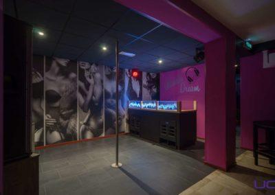 Foto 1b van de Dansvloer en DJ Booth van Swingersclub Parenclub Ultimate Dream te Beek en Donk