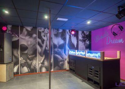 Foto 1c van de Dansvloer en DJ Booth van Swingersclub Parenclub Ultimate Dream te Beek en Donk