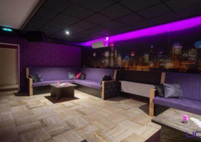 Foto 1d van het zitgedeelte van de Foyer van Swingersclub Parenclub Ultimate Dream te Beek en Donk