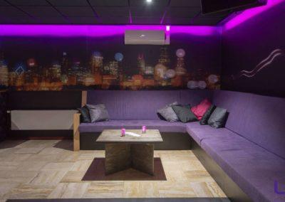 Foto 1e van het zitgedeelte van de Foyer van Swingersclub Parenclub Ultimate Dream te Beek en Donk